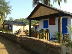 Our Sea View Huts, facing directly onto the beach
