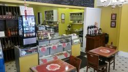 MiMi's Central Perk Cafe