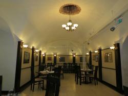 Amphora Enoteca-Restaurant