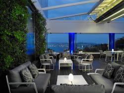 Bleu Lounge