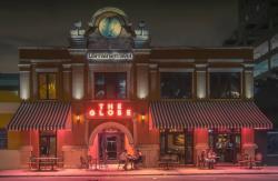 Globe Cafe & Bar
