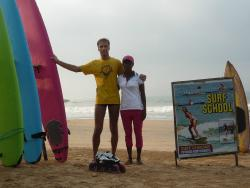 ‪Surf School with Ruwan‬