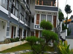 Hotel Lurus Cisarua