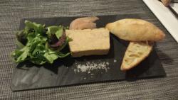 Délicieux foie gras mi-cuit au Beaumes de Venise servi copieusement !