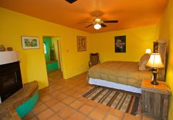 Dos Casitas en Socorro Bed and Breakfast