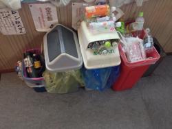 ゴミ箱が溢れています