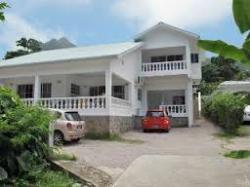 Row's Villa Guest House