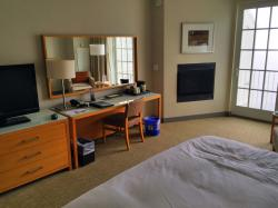 King w/Fireplace, Partial Ocean View. Room #430