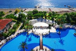 Queens Park Tekirova Resort and Spa