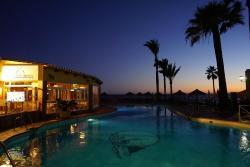 La Plaza Beach Restaurant - Doña Lola
