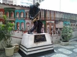 Estatua Pixinguinha