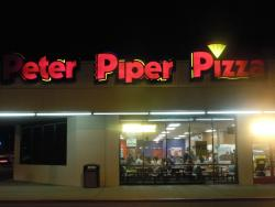 ‪Peter Piper Pizza‬
