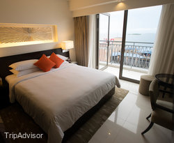 The Deluxe King Room with Balcony at the Hotel Jen Male