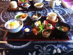Kue Kazaana No Sato Gomokumeshi