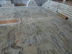 El piso del interior de la Basilica.