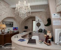 """Le Alcove """"Luxury Hotel nei Trulli"""""""