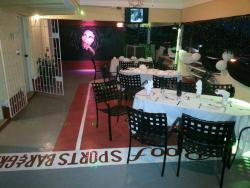 laroof Sports bar & Grill