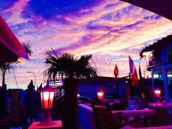 Miami Lounge