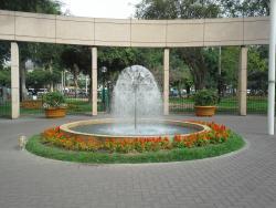 Parque Kennedy - Parque Central de Miraflores