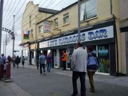 Knobby's Karaoke Bar