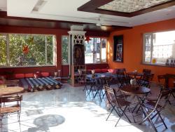 Cafe Nirvana Laxmanjhula