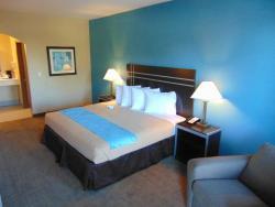 Moulton Inn & Suites