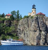 North Shore Scenic Cruises
