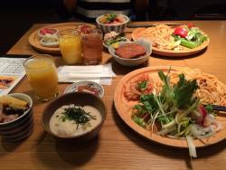 Health Food Buffet Budo no Oka, Shizuoka Cenova