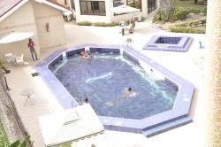 Peemos Place