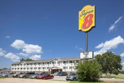 Super 8 Manhattan KS