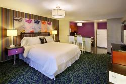 7 Springs Inn & Suites