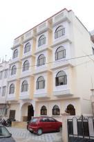 拉克西米尼瓦斯飯店