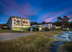 Strand Hotel Fevik - by Classic Norway