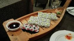 Sushi muy bueno y barato con pescado de calidad.