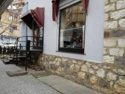 "Jazz Restaurant & Caffe ""Sokoli E Mirusha"""