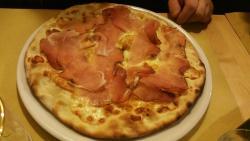 Pizza con speck