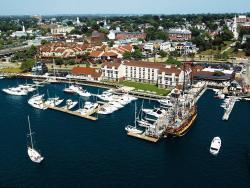 Newport Harbor Hotel & Marina