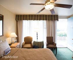 The Standard Queen Room at The Wharf Inn