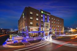 Holiday Inn Express & Suites Oklahoma City Downtown - Bricktown