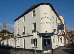 ‪The Albert Arms‬