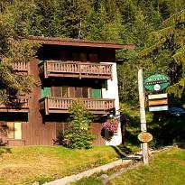 Crystal Mountain Hotels Alpine Inn