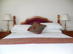 Stonecross Manor Hotel