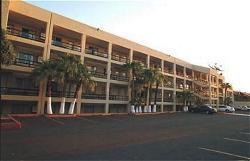 Araiza Calafia and Convention Center