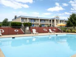 Days Inn Staunton/ Mint Springs