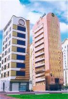 알 샤르크 호텔