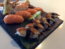 Oishii Fondue Hot Pot & Sushi Bar