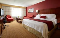 Spacious king room located in the heart of the Byward Market