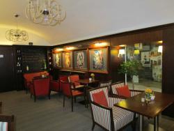 Alfa Cafe & Bistro