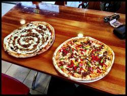Tau Pizza Cafe