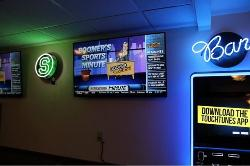 Red's Sports Bar & Grill